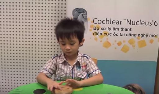 Tuấn Khiêm sau 2 năm cấy ốc tai Cochlear
