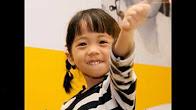 Bé có thể học nói tiếng Anh sau khi cấy ốc tai Cochlear (Úc)