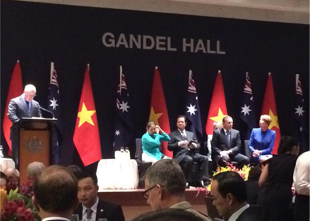 Đại diện Cochlear gặp gỡ Thủ tướng VN Nguyễn Tấn Dũng về vấn đề « Tầm soát & Can thiệp sớm cho trẻ khiếm thính »