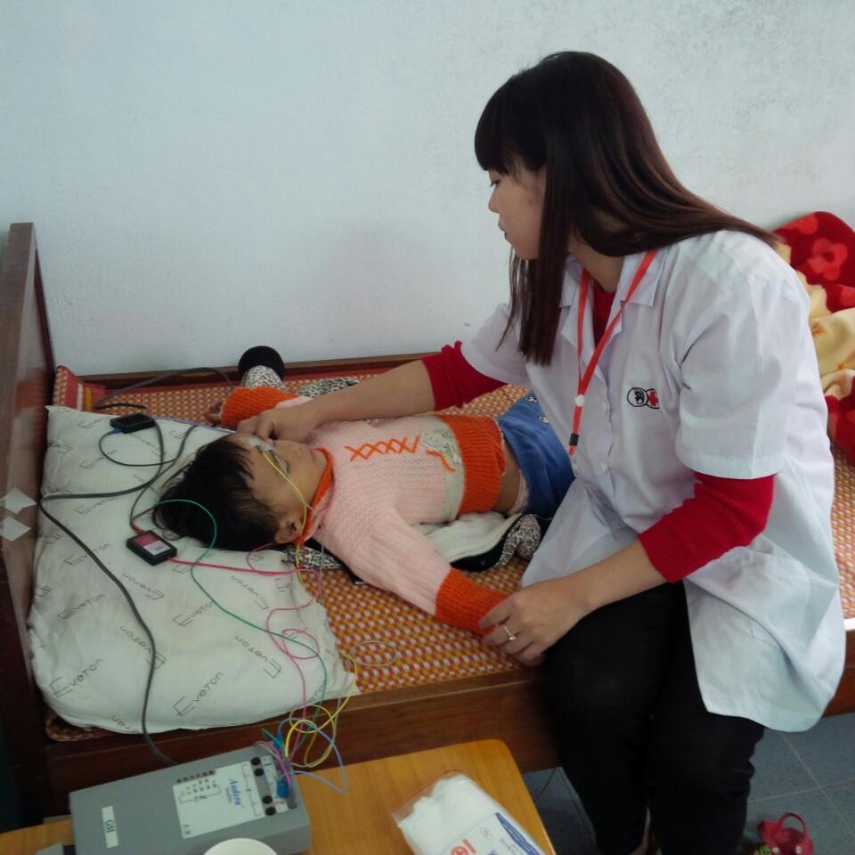 Trợ thính Cát Tường tham gia hoạt động dự án của IDEO – Dự án giáo dục trẻ điếc trước tuổi đến trường.