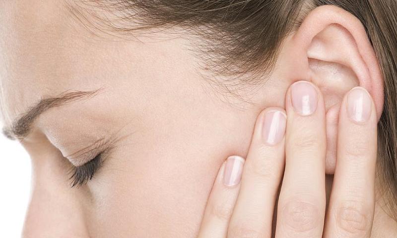 Ù tai trái cảnh báo bạn đang mắc các bệnh nung nấu từ lâu
