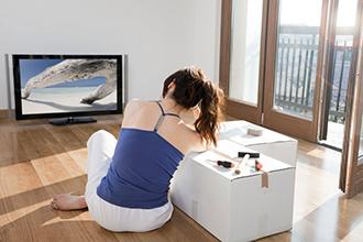 Xem TV, sử dụng vi tính nhiều dễ bị điếc đột phát